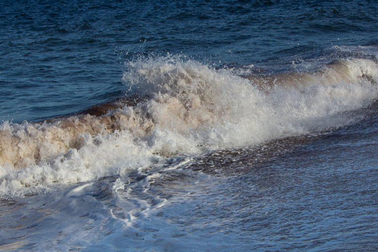 Wellenform bei zurückrollenden Wellen