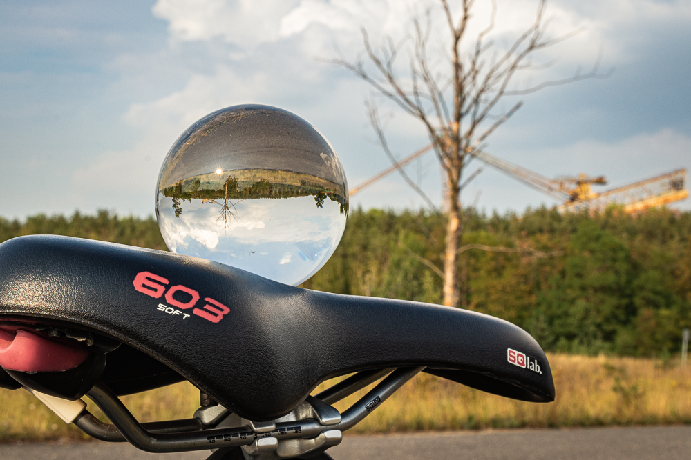 Glaskugelfoto aus dem online Fotokurs Landschaft vor der Haustür 2020